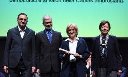 Premiazione Panettone d'oro 2019. Menzione speciale all'Associazione Il Girasole Onlus
